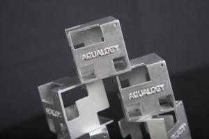 Cubo Aqualogy pintado plateado