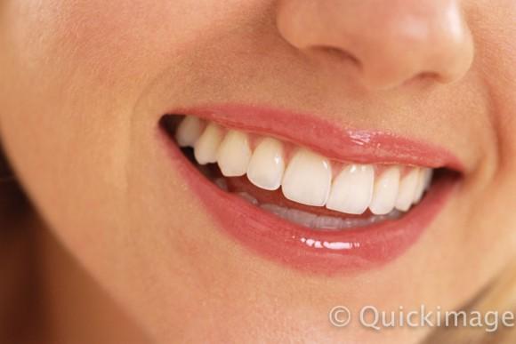 Mujer sonrisa QIPCB107513