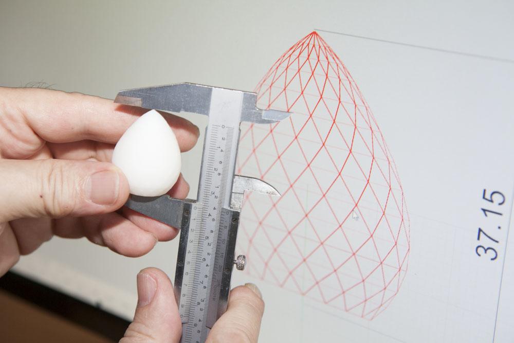 Comprobacion de pieza impresa en 3D con diseño CAD original. Impresión exacta según diseño original.